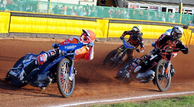 Tobiasz Musielak (left) will not be returning to Swindon Robins for the 2020 speedway season