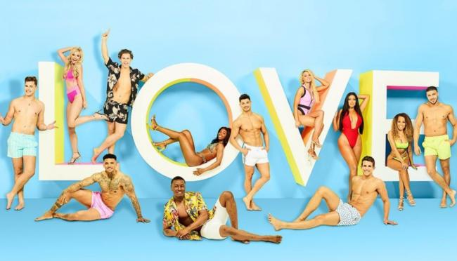 The original Love Island cast this year.