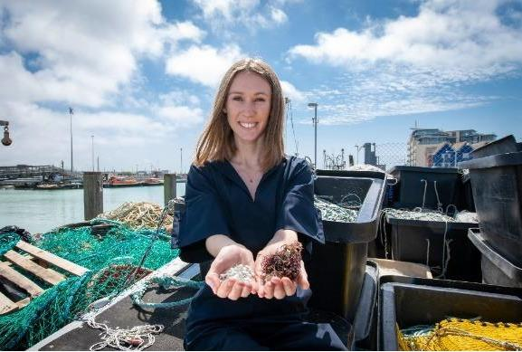 Student Lucy Hughes invents award-winning plastic alternative made of organic marine waste