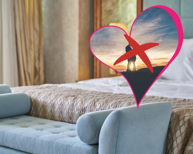 Singletons, there's a 6.9% discount on these hotel rooms for Valentine's Day
