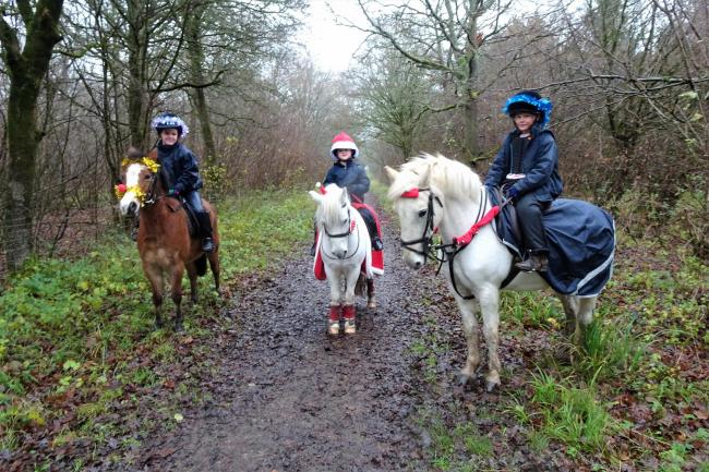 Pony Club members enjoying their Christmas ride