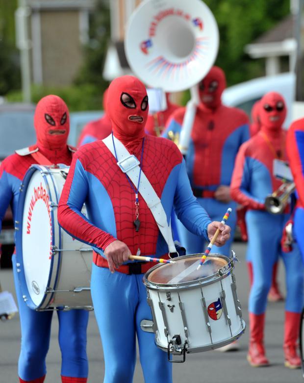 The Wiltshire Gazette and Herald: Group of spider-men