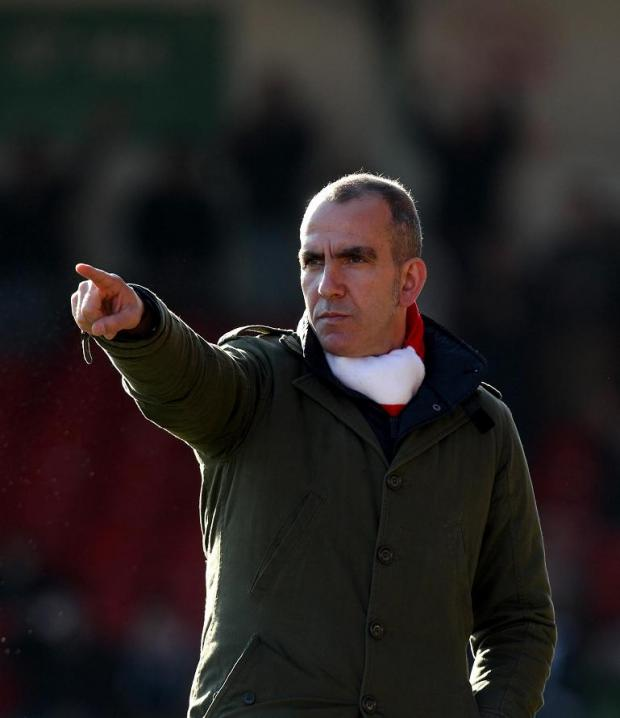 Di Canio extends contract at Swindon
