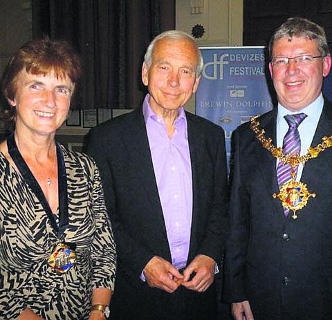 Devizes Mayor Kelvin Nash and his wife Pam welcome John Humphreys to the town on Saturday