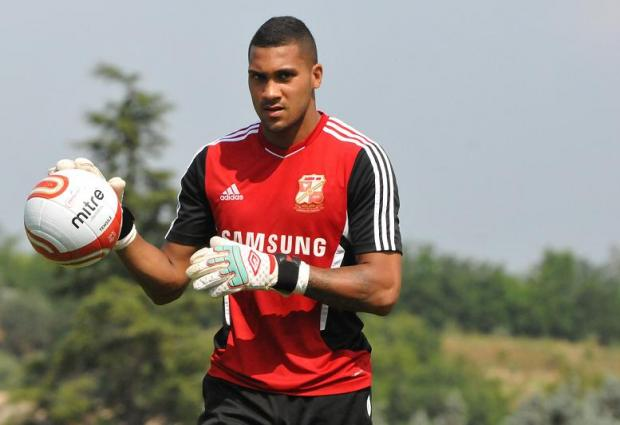 Wes Foderingham returned to the Swindon Town side for the first time in a month for the goalless draw with Bristol City yesterday