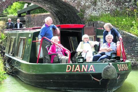 The Bruce Trust's Diana on a trip along the Kennet and Avon Canal