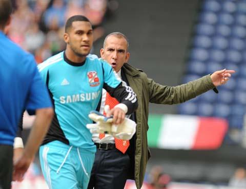 Wes Foderingham and Paolo Di Canio clash at Preston on Sunday