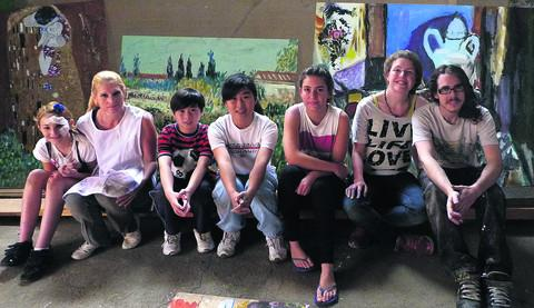 Set painters Wylaney Russell, Candi Russell, Deavin Fok, Nicole Fok, Julia Bull, Sophie Oates and Dan Rushforth