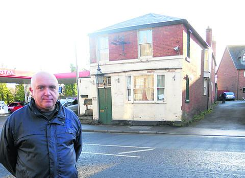 Chairman of Devizes CAMRA Don Jones outside the old Artichoke pub