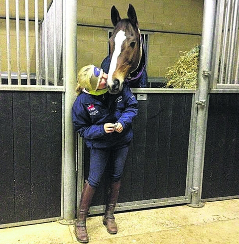 Laura Collett posted a picture of herself on Twitter greeting legendary racehorse Kauto Star after his arrival at her Membury Estate base on Tuesday