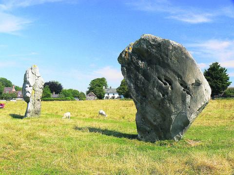 Avebury stone Way hits stumbling block