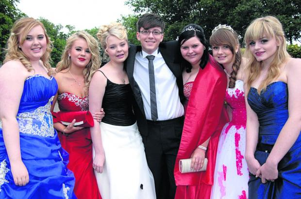 The Wiltshire Gazette and Herald: Emily Anslow, Harriet Benson, Kyna Wyatt, Elliot Waterhouse, Victoria Carter, Charlie Smith and Lily Webster sparkle on prom night