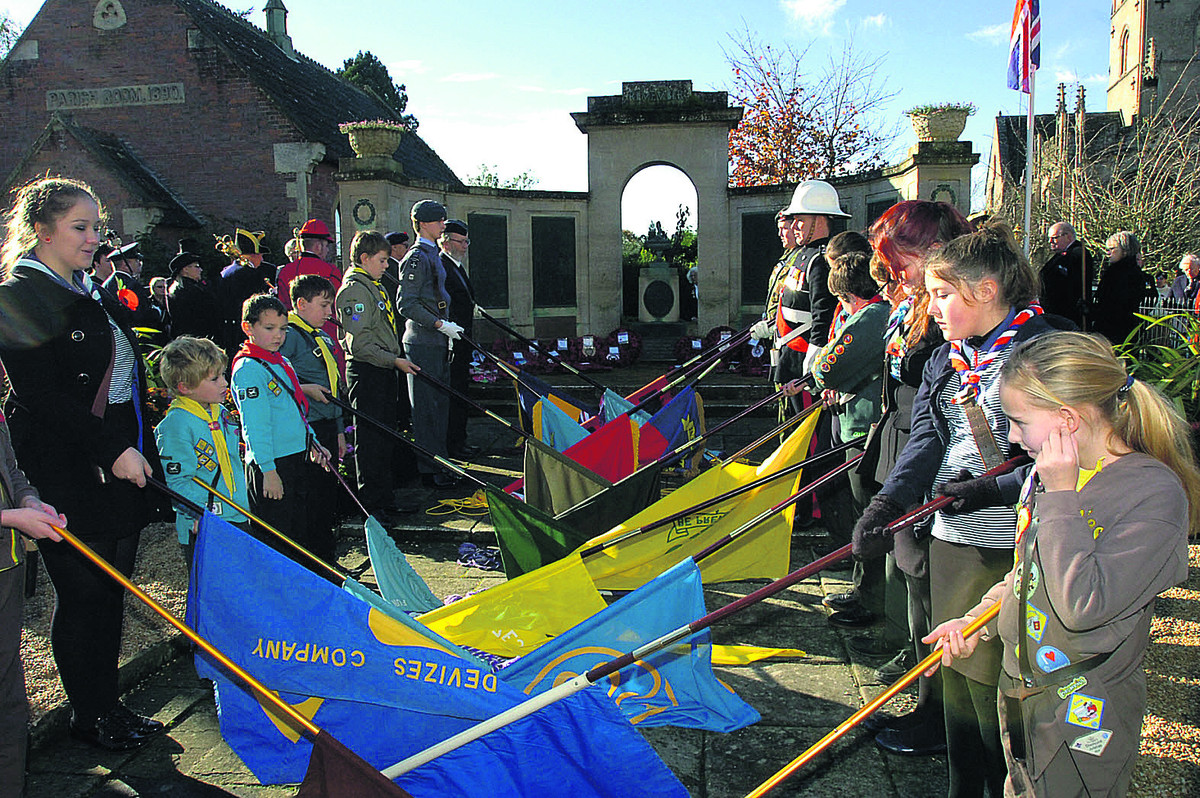 Record turn out for Devizes Remembrance service