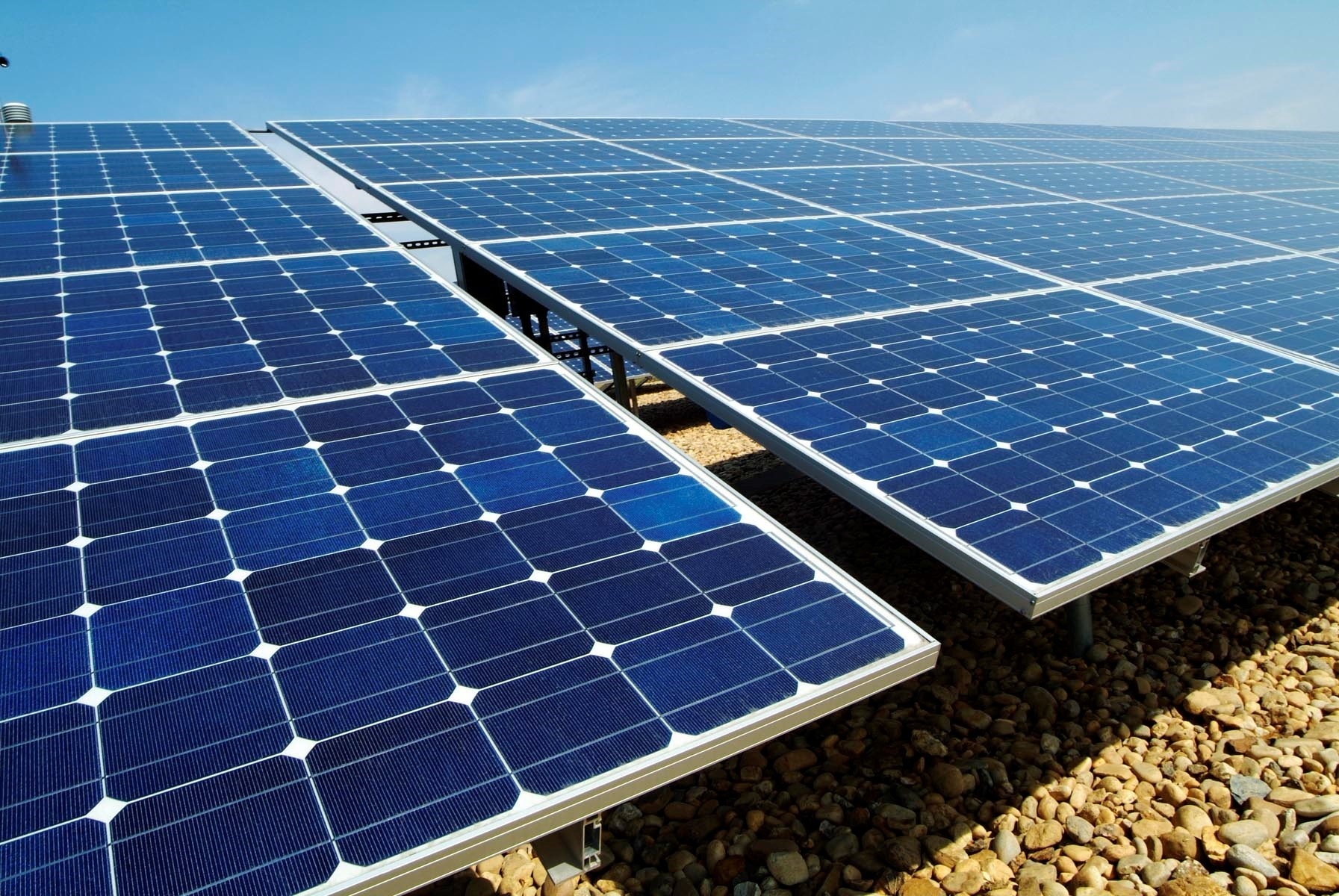 A large solar farm in Poulshot has been given planning permission