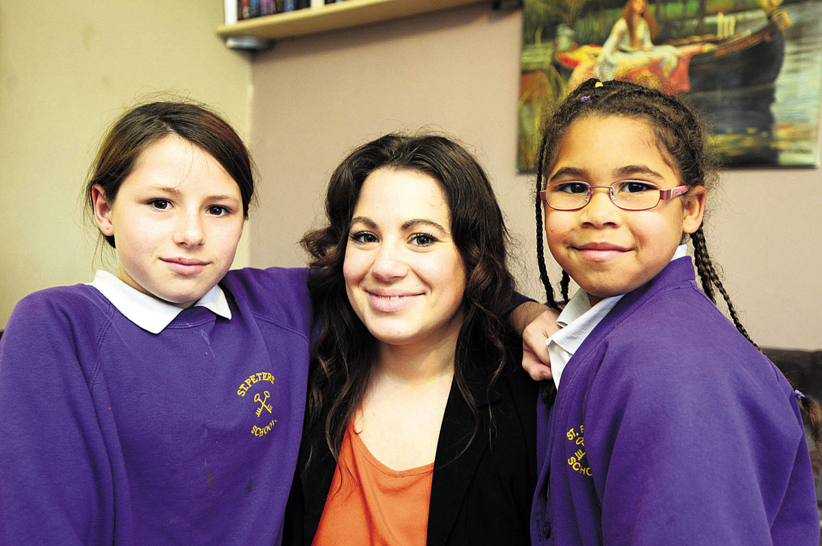 Victoria Stretton with her daughters Alisha, 11, and six-year-old Daryella                                                            (tk725