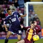 Steven Schumacher battles with Ryan Bertrand