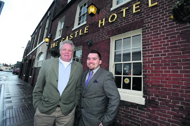 The Wiltshire Gazette and Herald: Bill Hicks, left, Devizes Professionals organiser, and John Hume, general manager of the Castle Hotel						                   (DV1002) By diane vose