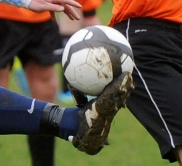 The Wiltshire Gazette and Herald: WILTSHIRE JUNIOR CUP: Freshford hit by controversial late winner