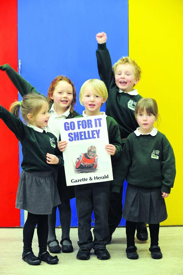 The Wiltshire Gazette and Herald: Pewsey Primary School pupils  Scarlett, left, Sophie, Bertie, Aiden and Rebecca show their support for Shelley Rudman