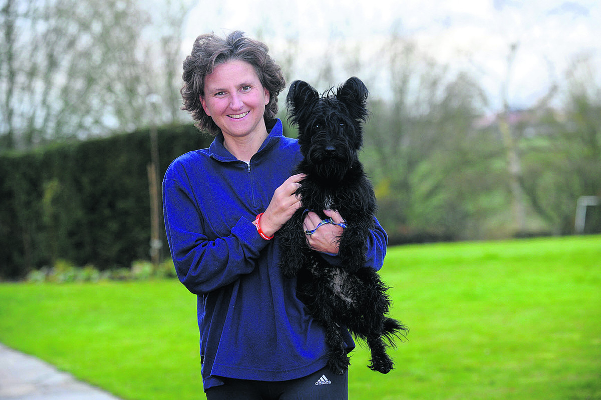 Laura Mayes, with her dog Otto, will tackle the Bath Half Marathon