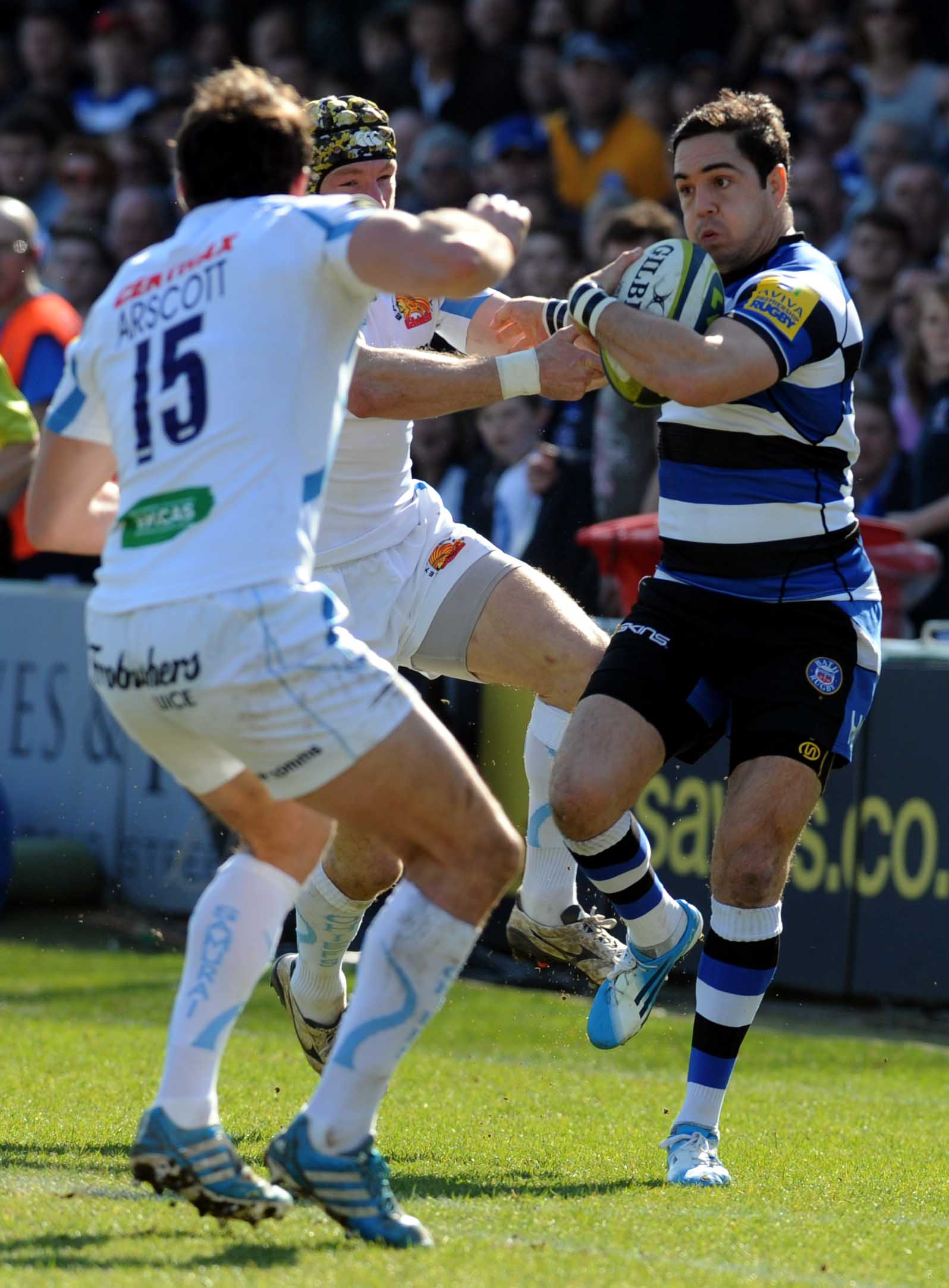 Bath's Horacio Agulla trys to break clear.(Photo: Bob Ascott)
