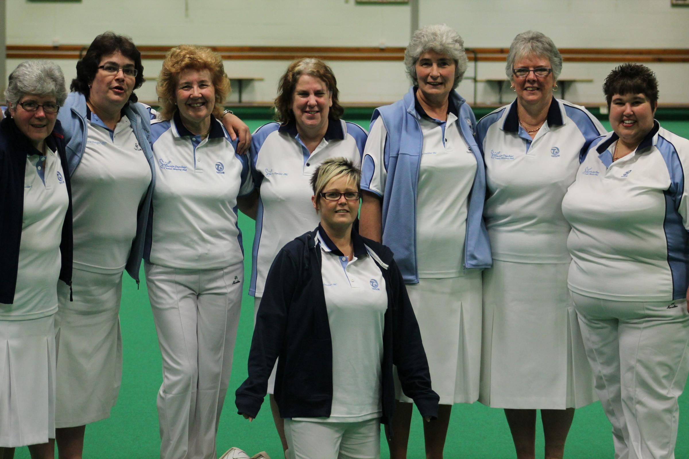Clarrie's winning ladies double rinks team