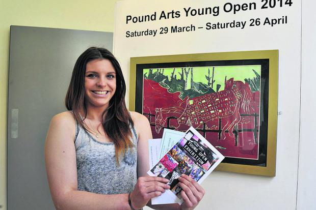 Chloe Windle with her polysterene print             (49308) By GLENN PHILLIPS