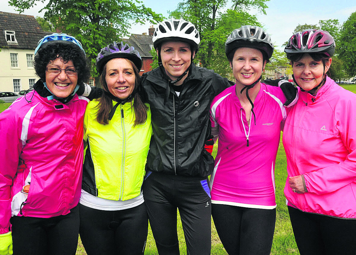 Five women are riding 100km from Windsor to London and back for cancer charities. Pictured are Geraldine Marsh, Tracey Kamei, Claire Francis, Louise Hale and Julie Pennell                   (VS355) By Vicky Scipio