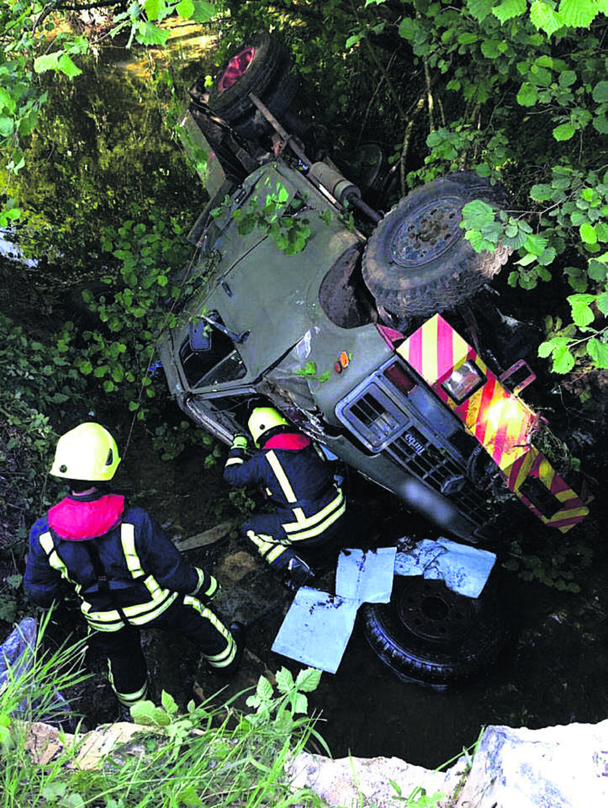Crashing truck into brick wall near Calne saved others, say police
