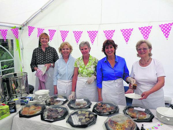 Anji Scofield, Sandra Gamble, Jane Sheppard, Bonnie Matters and Ann Sparks, one of several volunteer teams helping in the refreshment tent at West Lavington Manor