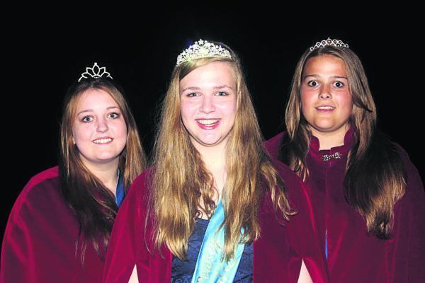 Pewsey Carnival royalty: Attendant Lauren Pound, Carnival Queen Eleanor Smith and attendant Louise Banting
