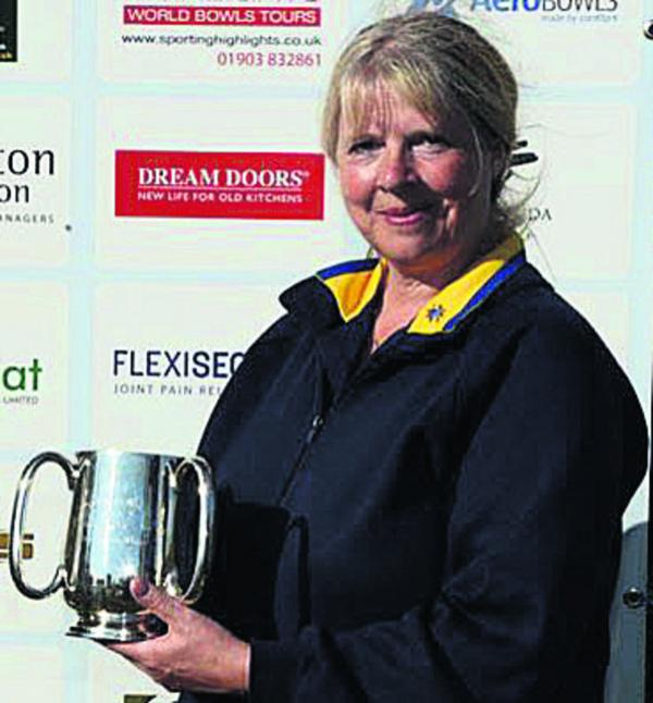 BOWLS: Jacobs toasts national crown