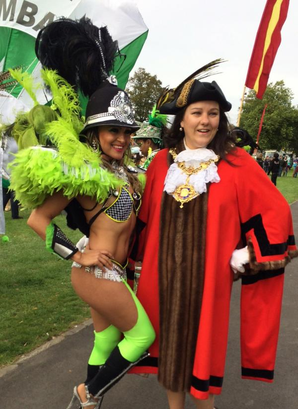 Devizes Carnival entrants turn on the style