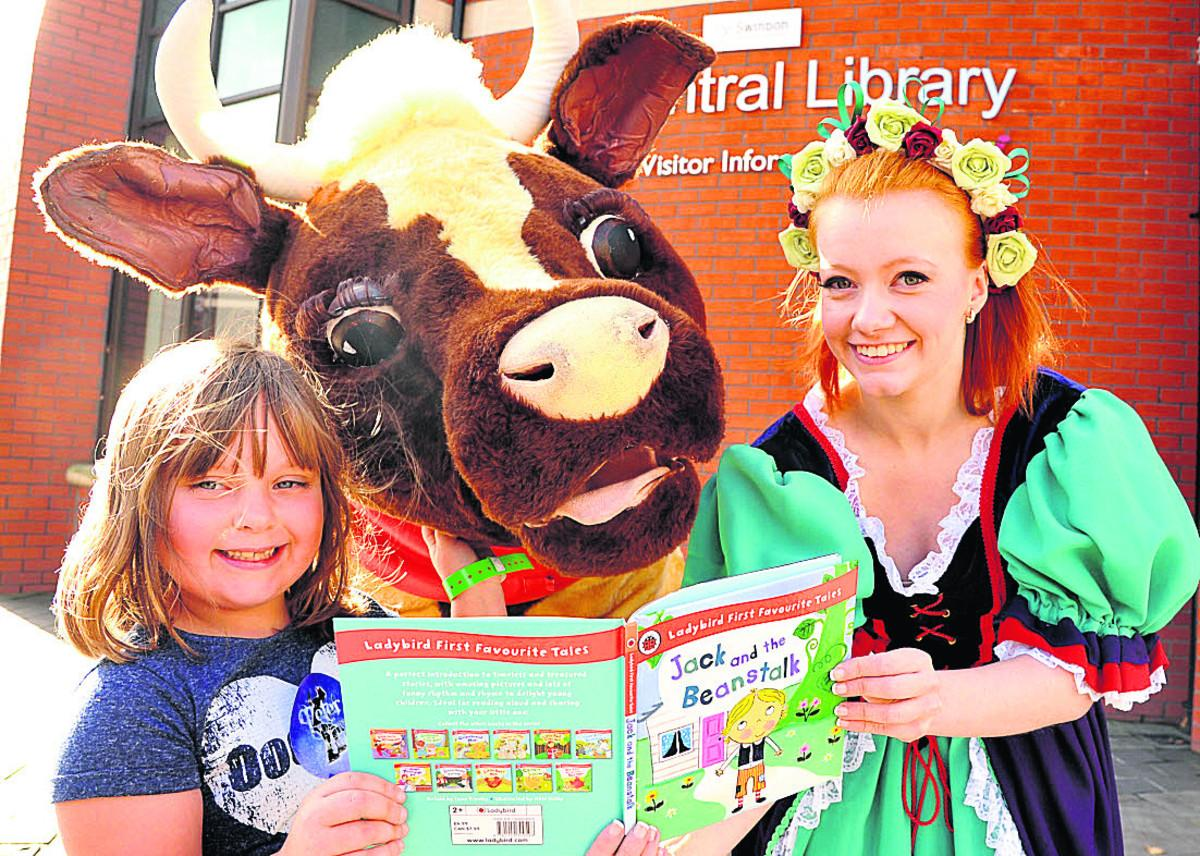 Madison, Daisy The Cow and Hollie Evan enjoying the Wyvern Theatre's last family fun day