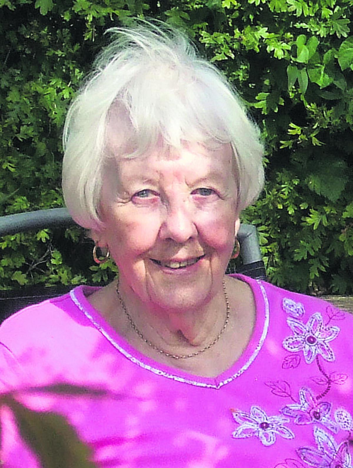 Eileen Reid - 3508232