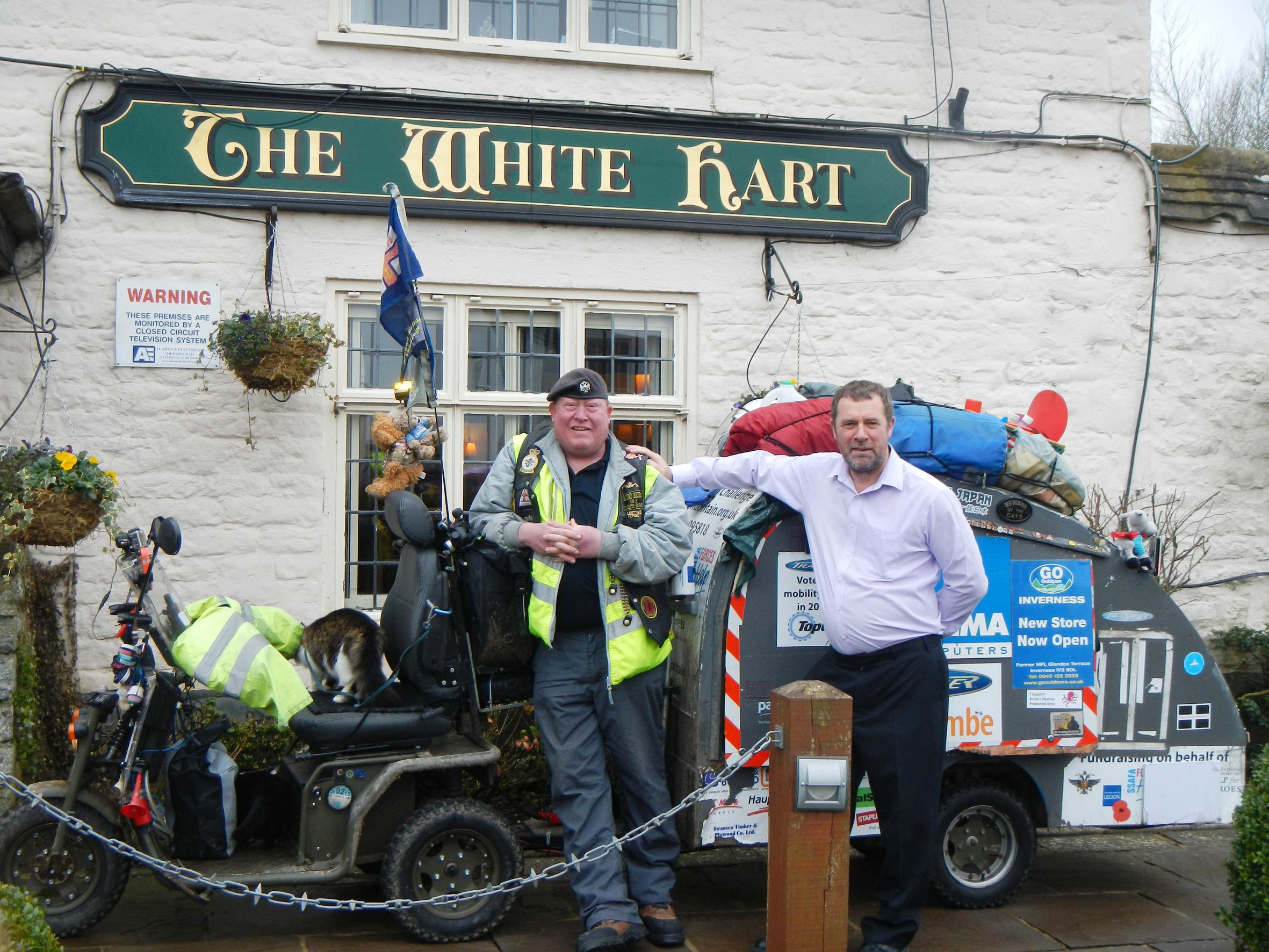 Peter Payne welcomes Mark and his two cats to The White Hart at Wroughton