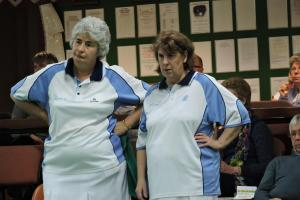 BOWLS: Clarrie duo bow out