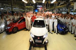 VIDEO: Honda launches Swindon-built Civic Type R super-hot hatch