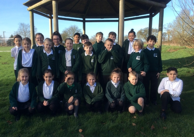 Pewsey Primary School children in eye-opening day at opticians lab