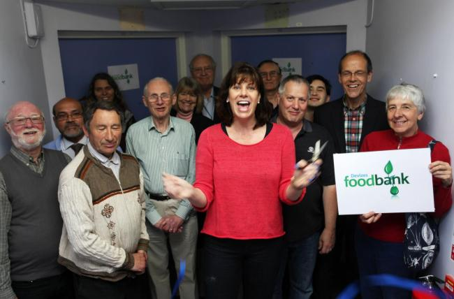 Claire Perry does official opening of Devizes Hospital foodbank. Pic: Group photo of everybody involved including Claire Perry. Pic by Vicky Scipio 05 VS2413.