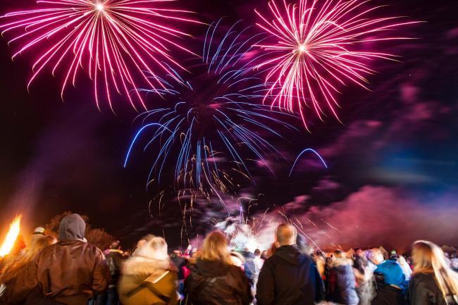wiltshire firework displays the wiltshire gazette and herald