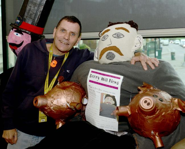 Christopher Andrew McInnes from The Hub, Calne with the pig thief Guy. Photo: Siobhan Boyle SMB2199/1.