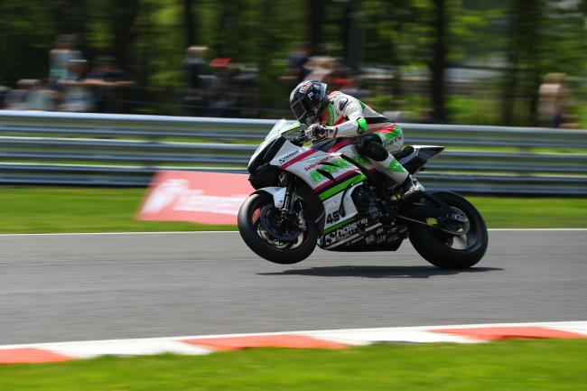Tommy Bridewell, in action on his Movuno.com Halsall Racing Suzuki