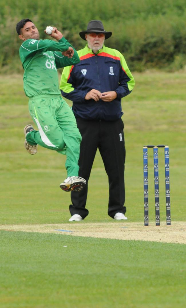 Wiltshire v Cornwall.Bowling for Wiltshire Tahir Afridi. Photo Trevor Porter 59652 1.