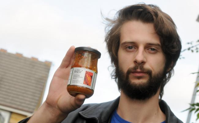 Rory Cox, alarmed that Tesco havn't labelled pine nuts as an allergen on their pesto.    Photo: Siobhan Boyle SMB2544/3.