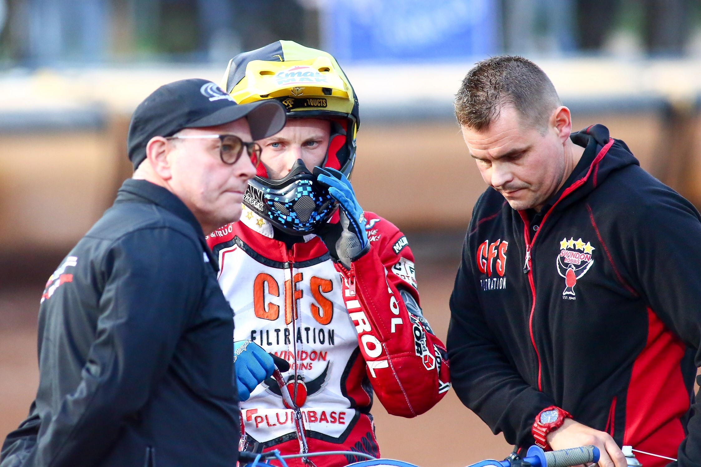 Swindon Robins boss Alun Rossiter (left) has re-signed Tobiasz Musielak for 2019. PICTURE: LES AUBREY