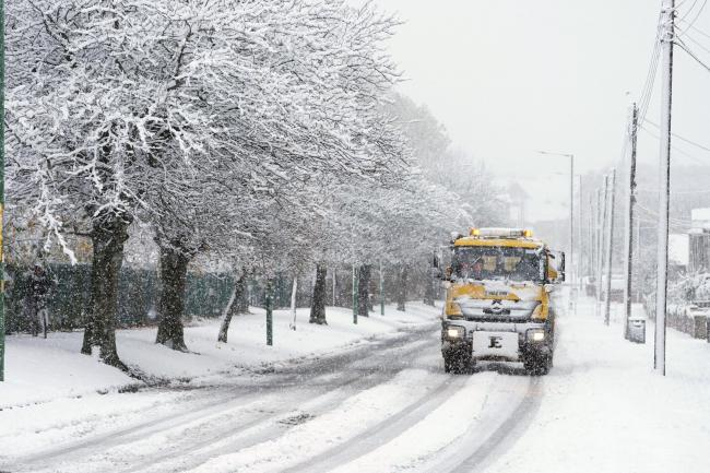 Will it really snow in October? Met Office has its say on 'extreme weather' reports