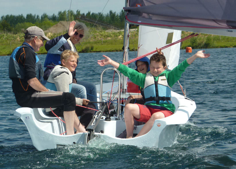 Try Dinghy Sailing