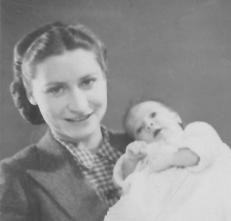 Elsie Smith-Mitchell with her son Ken as a baby