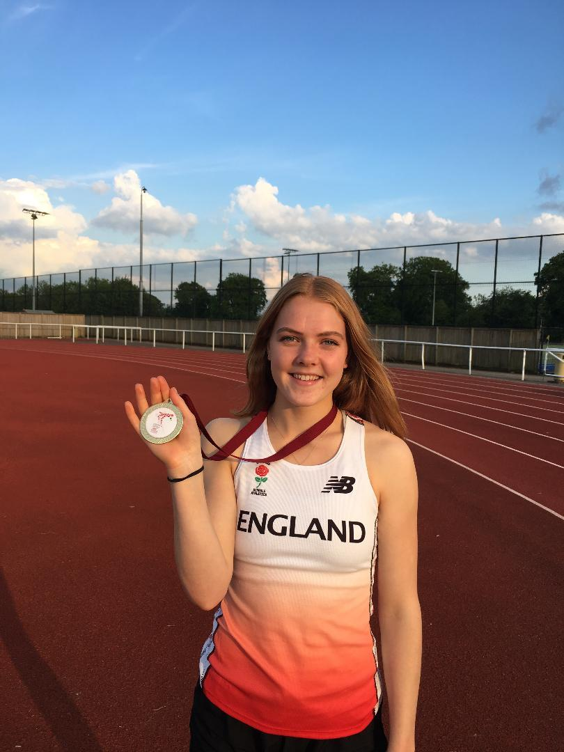 Jenna Blundell with her team gold medal from the World Schools' Championships